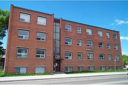 1 Bedroom Apartments For Rent At 354 Mountain Ave Winnipeg Mb Yp Nexthome 12941