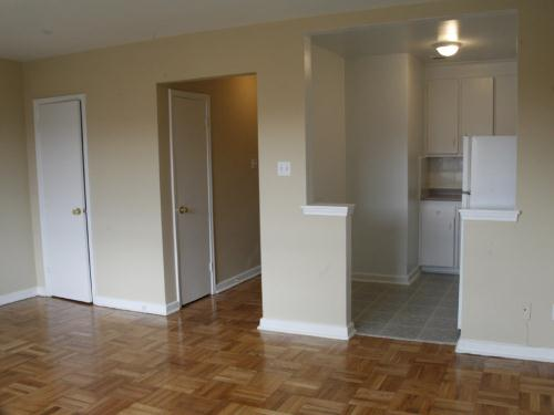 1 Bedroom Apartments For Rent At 31 Clearview Heights Toronto On Yp Nexthome 2049