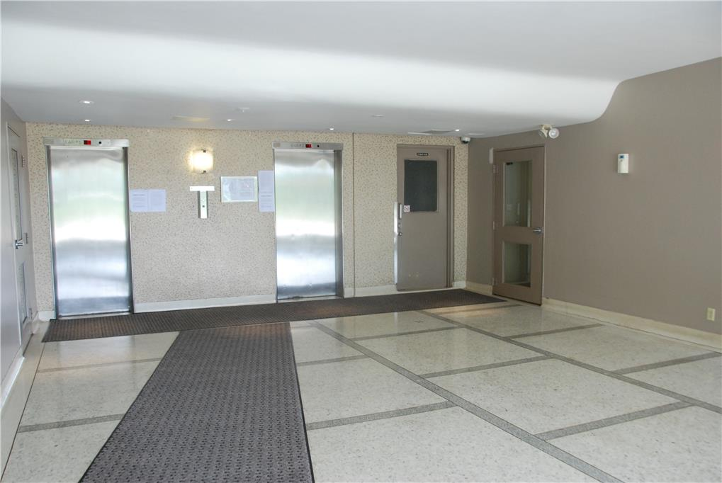 1640 lawrence avenue toronto 3 bedroom apartment for - 3 bedroom apartments for rent toronto ...
