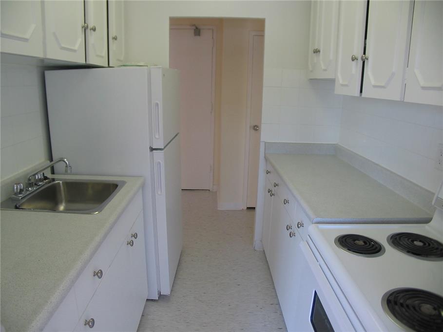 1704 victoria park avenue toronto 3 bedroom apartment - 3 bedroom apartments for rent toronto ...