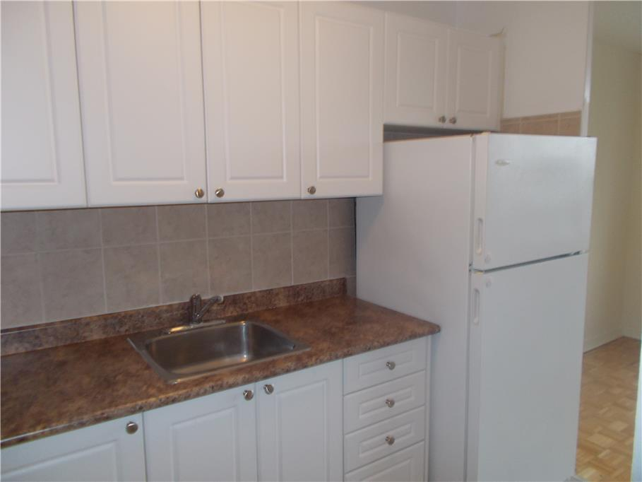 2441 finch ave w and 137 lindy lou rd toronto 3 - 3 bedroom apartments for rent toronto ...