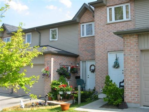 3 Bedroom Townhouses For Rent At 1199 1203 Hamilton Road