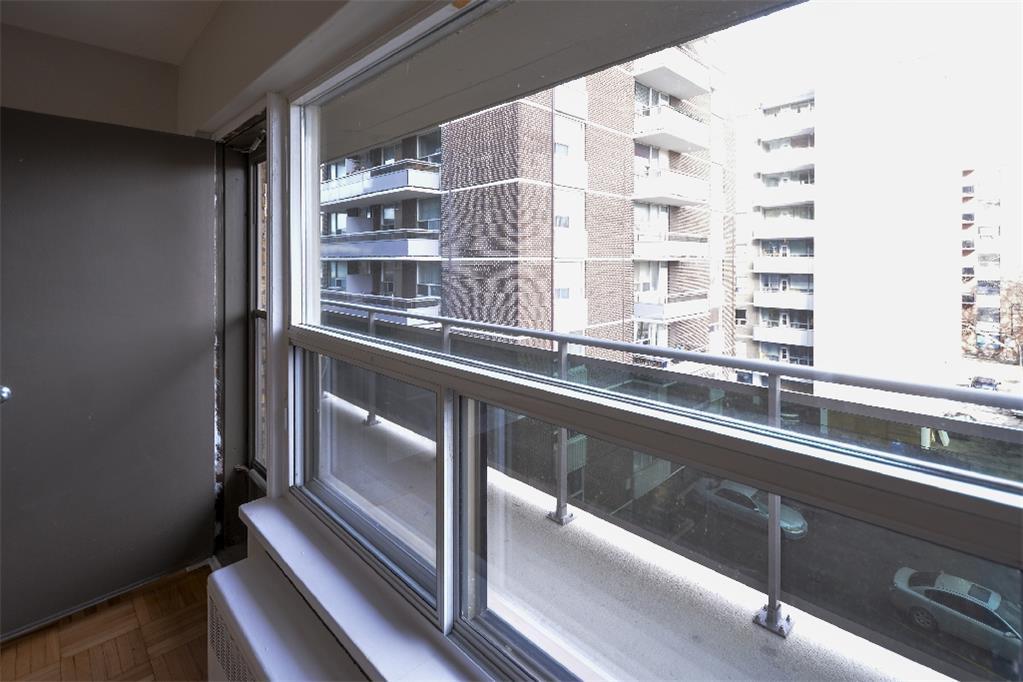 87, 90,  91, 140, 146, 169, 200 Jameson Avenue, Toronto, ON