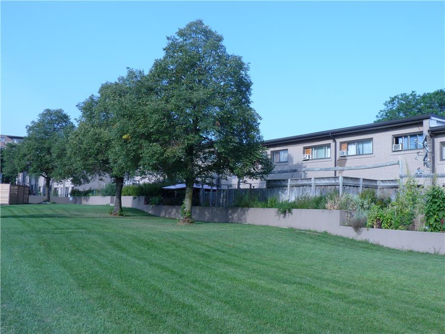 Marvelous 102 108 Bergamot Ave 3 7 Auburndale Crt Etobicoke 4 Download Free Architecture Designs Remcamadebymaigaardcom