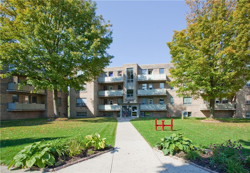 134 136 And 138 Berry Rd Etobicoke 2 Bedroom Apartment For Rent 26267 Goldsealmanagement