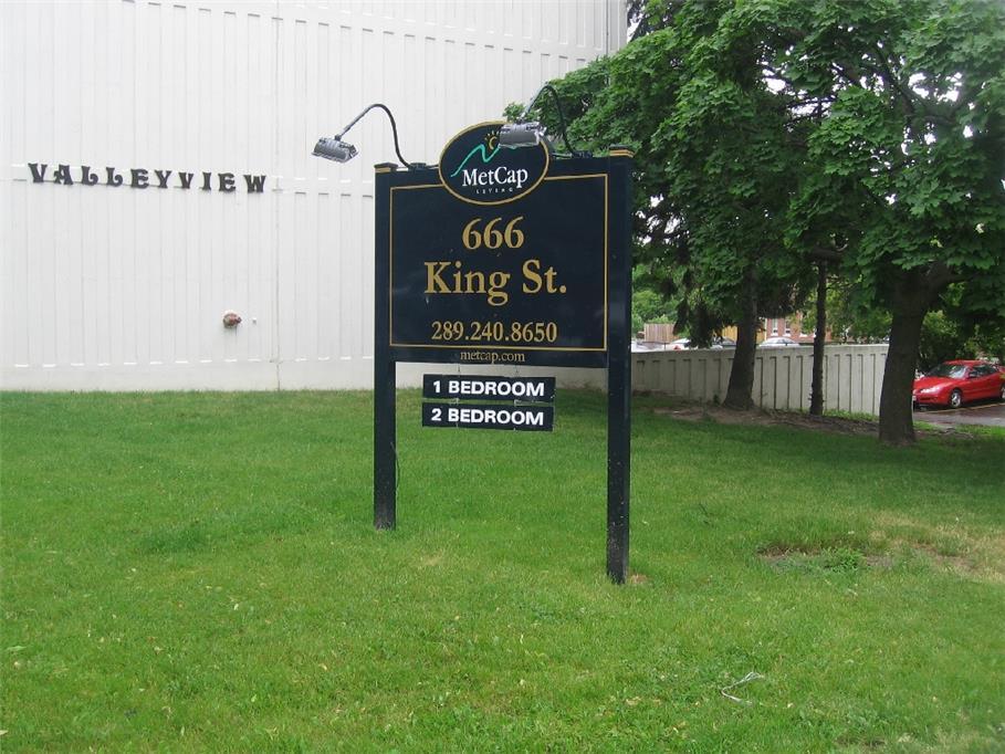 666 King Street, Oshawa, ON