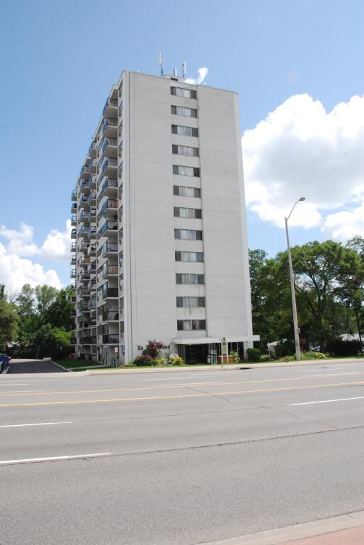 2485 Hurontario Street, Mississauga, ON