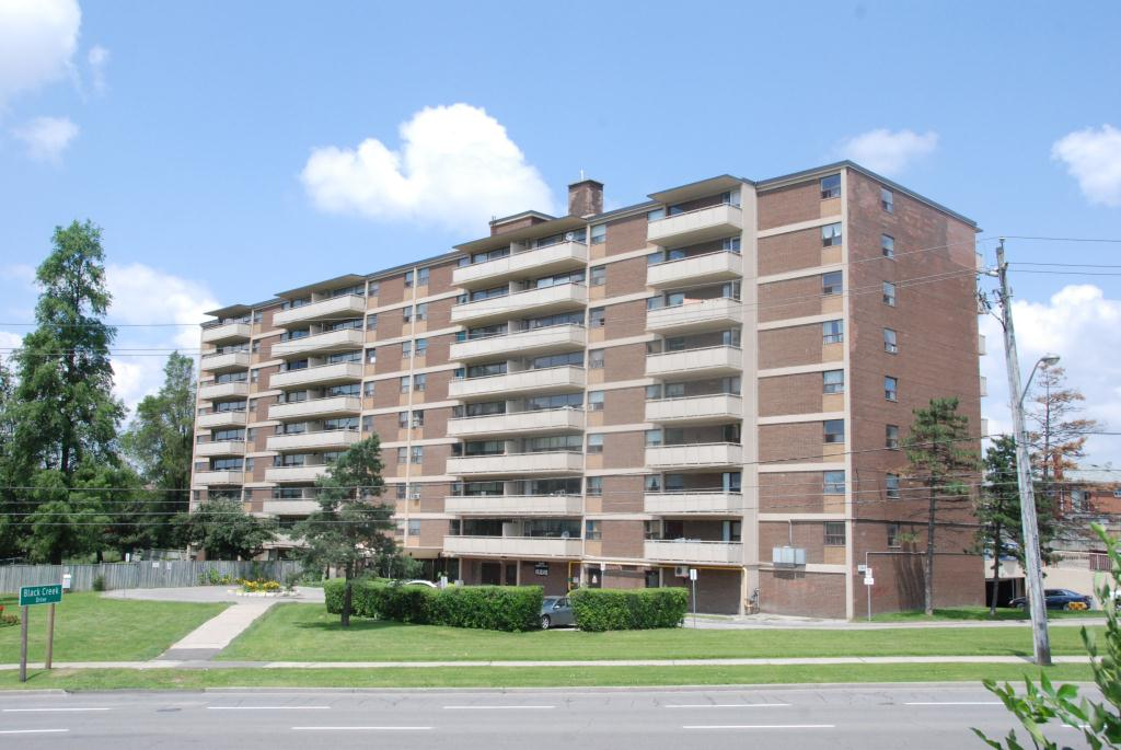 1640 Lawrence Avenue , Toronto, ON