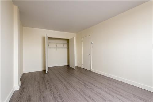 Bedroom apartments for rent at place juge desnoyers bureau