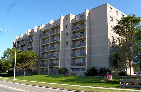 1011 Concordia Ave Winnipeg Mb