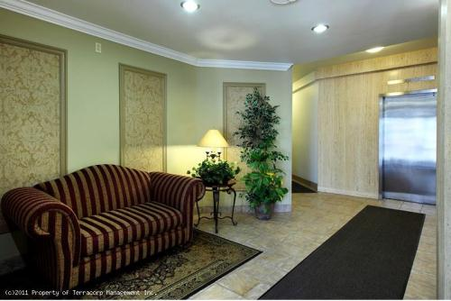 Apartments For Rent On Riverside Drive Windsor