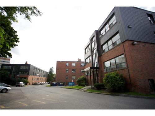 Apartments For Rent   3240 Bathurst St., 42/44/46 Saranac Blvd