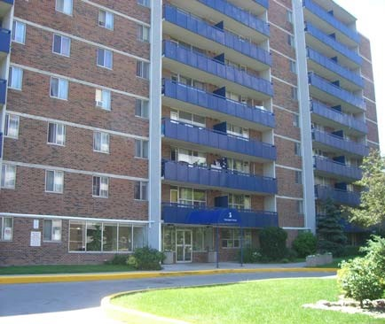 3 Bedroom Apartments For Rent At 5 Glamorgan Avenue Toronto On Yp Nexthome 26221