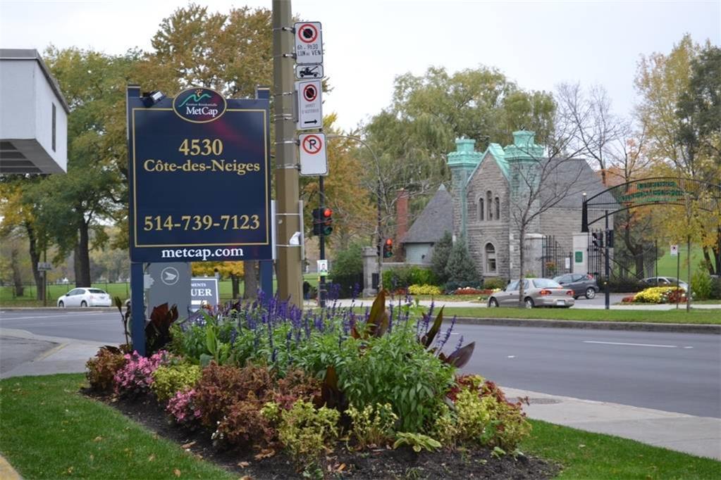 4530 Chemin de la Côte-des-Neiges, Montréal, QC