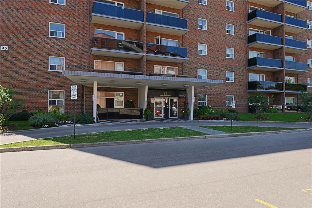 95 Paisley Blvd , Mississauga, ON