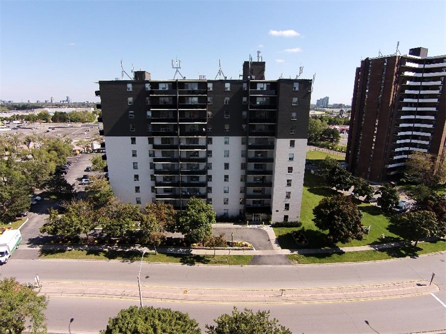 3045 Queen Frederica Drive, Mississauga, ON