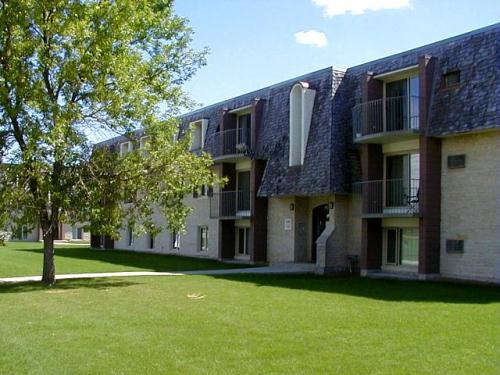 1 bedroom apartments for rent at 130 killarney ave - One bedroom apartments in winnipeg ...