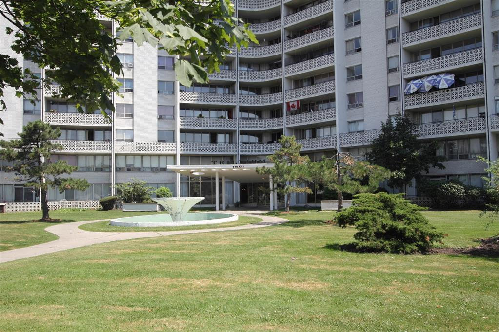 1501 Woodbine Avenue, East York, ON