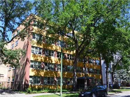 Apartments For Rent   43 Roslyn Rd., Winnipeg, MB