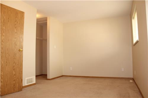 2 bedroom apartments for rent at 10502 111 th street