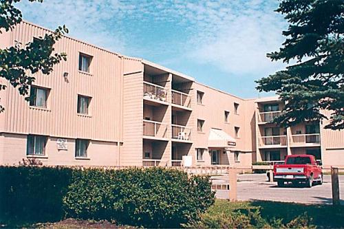 1 bedroom apartments for rent at 9 mandalay drive - One bedroom apartments in winnipeg ...